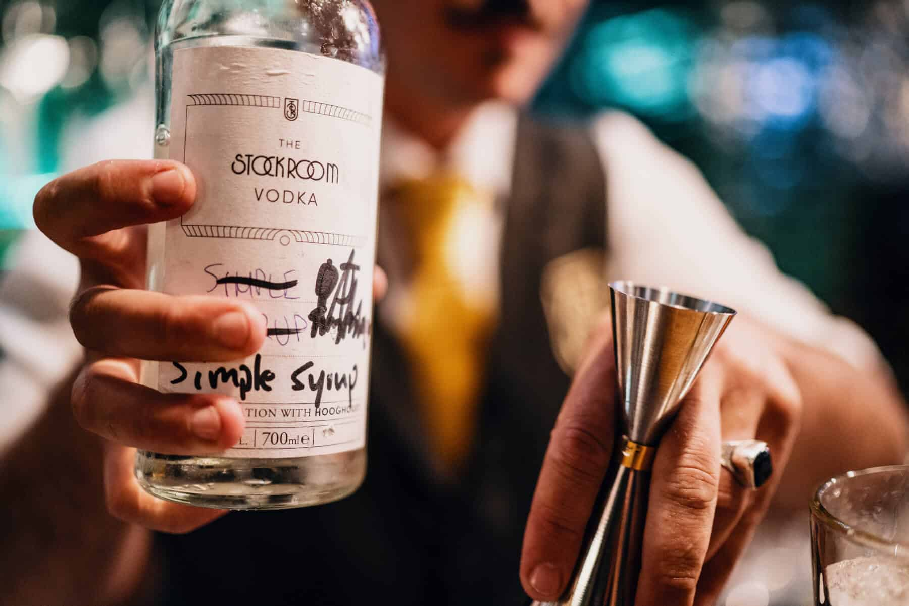 high-end cocktailbar, no-nonsense classic approach